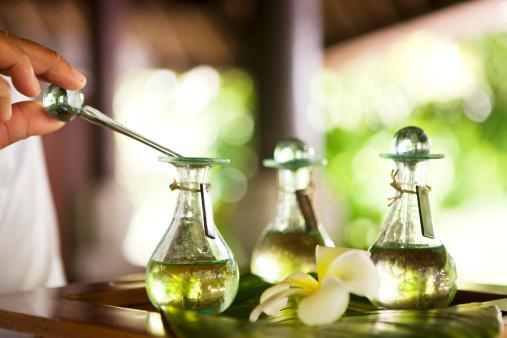 Armonizziamoci con gli oli essenziali: l'anima delle piante